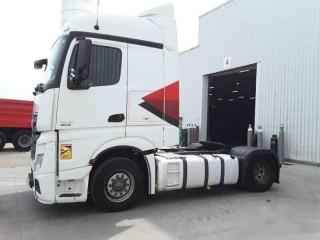 للبيع بسعر تنافسي شاحنه مرسيدس اكتروس مكيفة 1845 mp4 (2*4) .. موديل : 2013